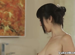 Japanese nuru masseuse doesn't speak english
