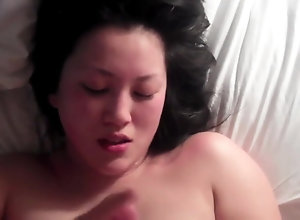 Cute japanese gal gets the cum out